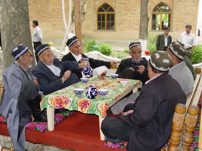 Uzbekowie piją herbatę