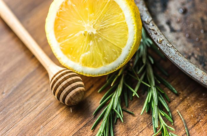 Jedzenie dla zdrowej skóry: co jeść, aby wyglądać młodo i pięknie