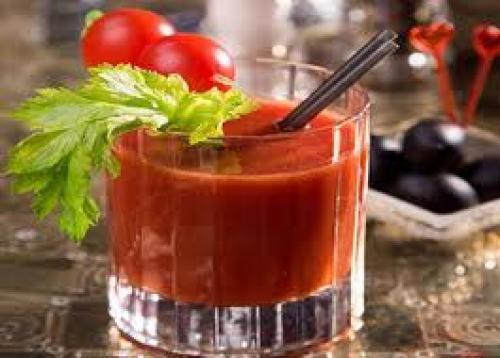 Sok warzywny z pomidorami. Soki warzywne: przepisy na zdrowie i urodę!
