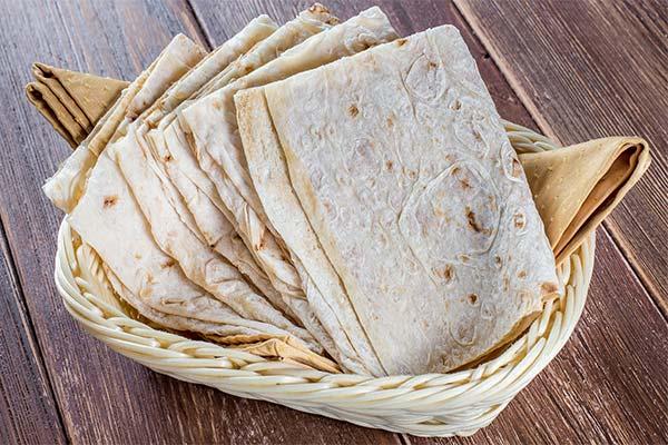 Korzyści i szkody związane z chlebem pita