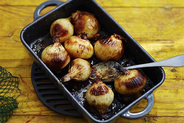 Korzyści i szkody z pieczonej cebuli