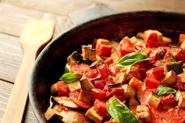 Jak gotować mięsne ratatouille z wołowiną - przepisy kulinarne