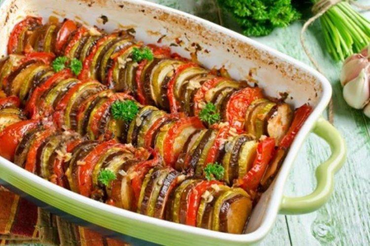 """Jak gotować ratatouille z wołowiną """"Dla ukochanej"""" - przepisy kulinarne"""