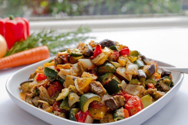 Jak gotować ratatouille z wędzonej wołowiny - przepisy kulinarne