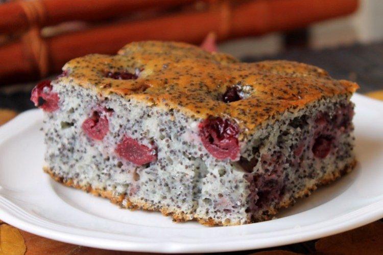 Ciasto makowe z wiśniami - przepisy kulinarne