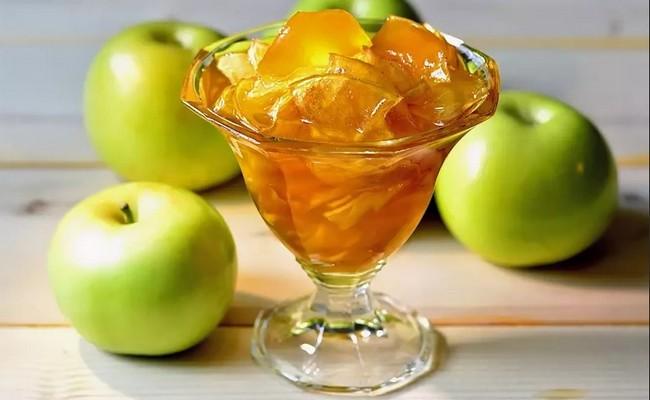 Dżem z niedojrzałych jabłek na zimę