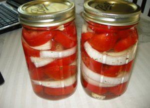 Pomidory z cebulą na zimę